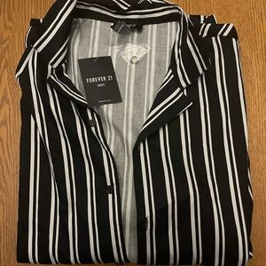 Forever21 Shortsleeve casual button down shirt